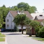 Haus von der Straße aus